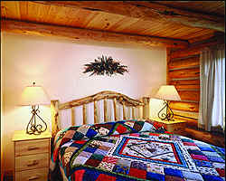 Lodging Yellowstone National Park - cabin bedroom
